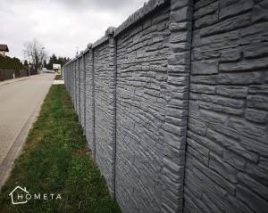 Szary płot betonowy ala piaskowiec